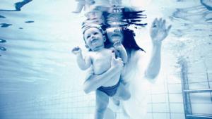 プール赤ちゃん